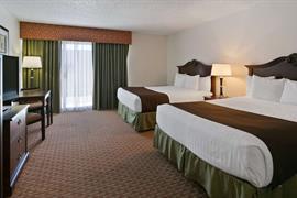 48153_005_Guestroom