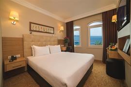 78004_001_Guestroom