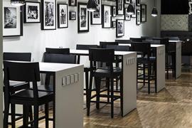 88155_002_Restaurant