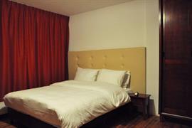 92723_002_Guestroom