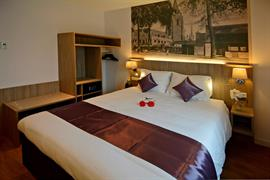 92734_006_Guestroom