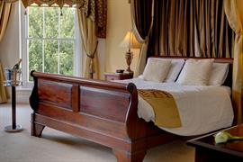 claydon-country-house-hotel-bedrooms-11-83676