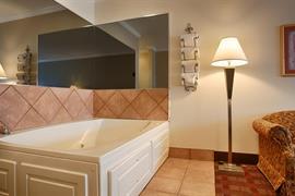 44508_006_Guestroom