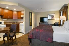 48083_006_Guestroom