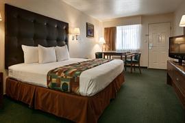 05522_005_Guestroom