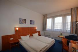 95480_005_Guestroom