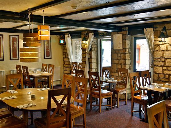 compass-inn-dining-24-83340