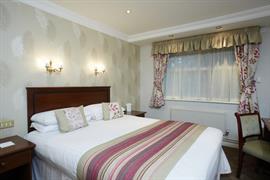 consort-hotel-bedrooms-13-83680