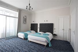 93090_001_Guestroom