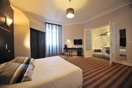 93090_002_Guestroom