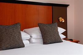 corona-bedrooms-07-83799