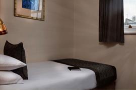 corona-bedrooms-09-83799