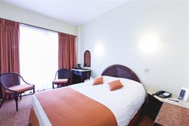 92611_006_Guestroom