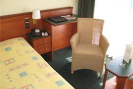 92611_007_Guestroom