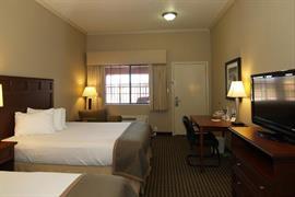 44656_002_Guestroom