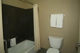 44656_004_Guestroom