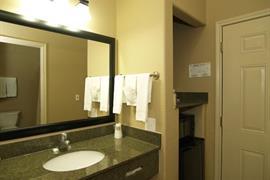 44656_005_Guestroom