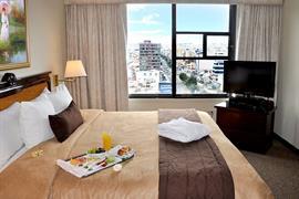 70203_006_Guestroom