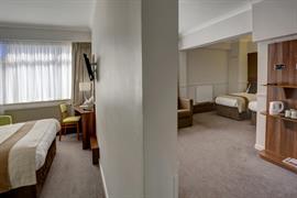 cresta-court-hotel-bedrooms-53-83373