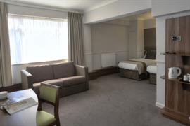 cresta-court-hotel-bedrooms-54-83373