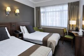 cresta-court-hotel-bedrooms-55-83373
