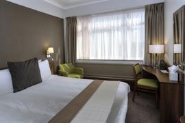 cresta-court-hotel-bedrooms-56-83373