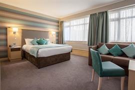 cresta-court-hotel-bedrooms-59-83373