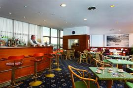 98326_005_Restaurant