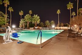 05215_002_Pool