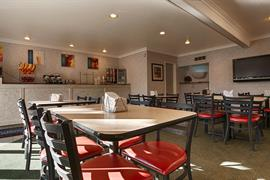 05215_004_Restaurant