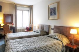 93079_002_Guestroom