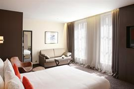 93364_006_Guestroom