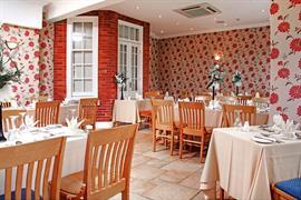 deincourt-hotel-dining-16-83932