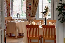 deincourt-hotel-dining-18-83932