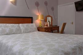 deincourt-hotel-bedrooms-25-83932