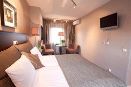 92591_006_Guestroom