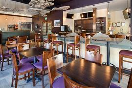 06170_005_Restaurant