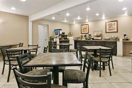 03054_003_Restaurant