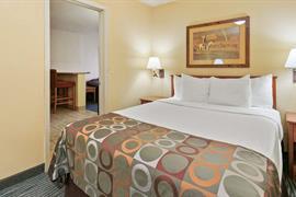 03054_004_Guestroom