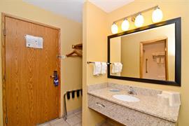 03115_005_Guestroom
