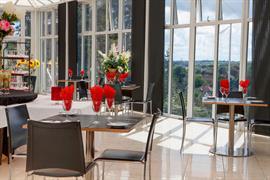 diplomat-hotel-dining-02-83428