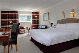diplomat-hotel-bedrooms-03-83428