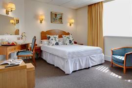 diplomat-hotel-bedrooms-05-83428