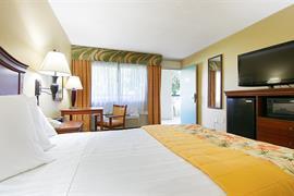 10359_006_Guestroom