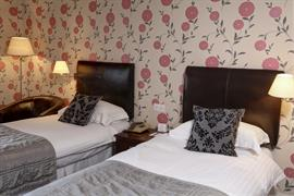duke-of-cornwall-hotel-bedrooms-32-83315