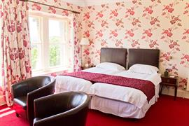 duke-of-cornwall-hotel-bedrooms-38-83315