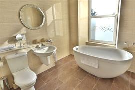 woodlands-hotel-bedrooms-36-83507