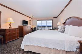 13054_005_Guestroom