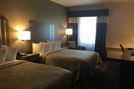 37094_007_Guestroom