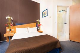 81037_007_Guestroom